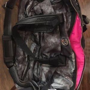 lululemon athletica Bags - Lululemon workout bag
